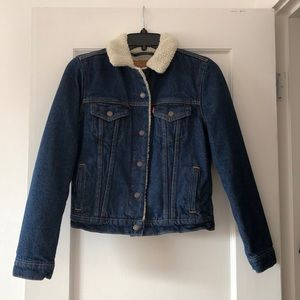 Women's Levi's Dark Wash Sherpa Jean Jacket